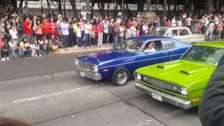 Desfile de autos clasicos en D.F.