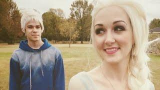 Queen Elsa Meets Jack Frost (Jelsa)