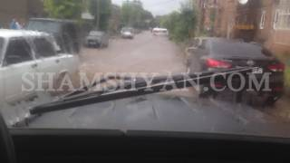 Շիրակի մարզի Արթիկ քաղաքում հորդառատ անձրևի պատճառով խցանումներ էին առաջացել