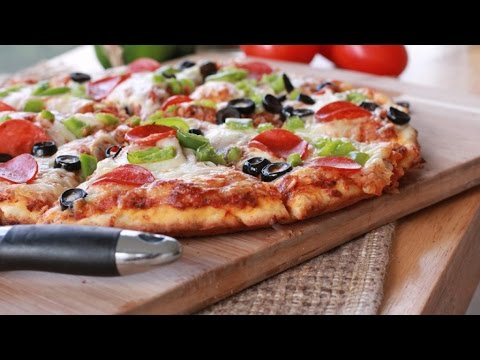 Quick n Easy Homemade Pizza Recipe - YouTube