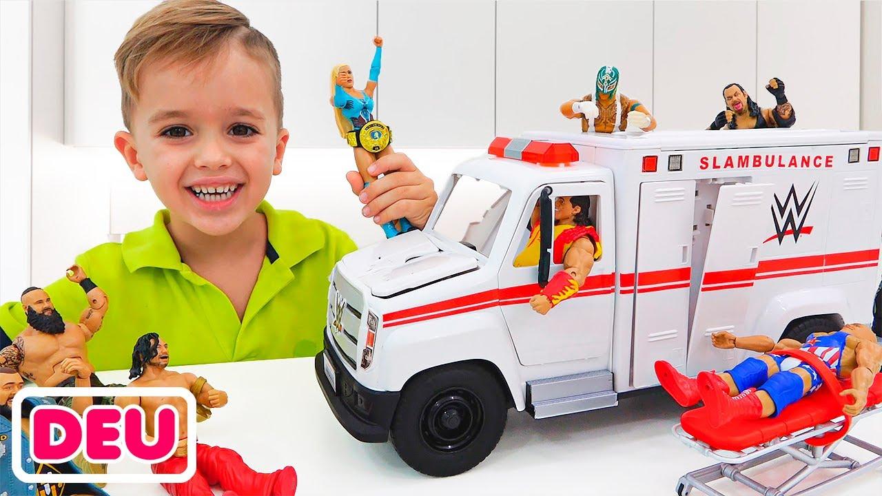 Vlad und Niki spielen mit WWE Slambulance Vehicle Spielzeug