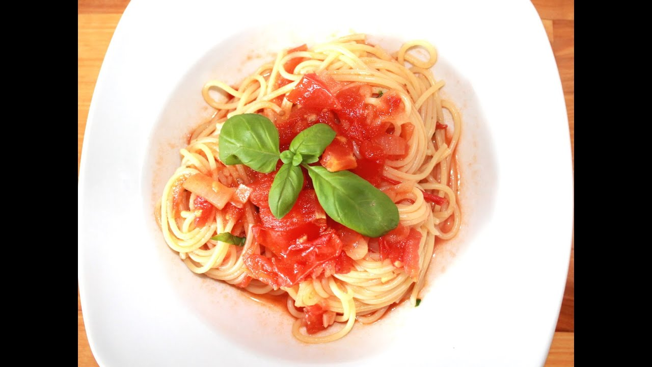 spaghetti all arrabiata pikante tomatenso e zum selber machen kochnoob youtube. Black Bedroom Furniture Sets. Home Design Ideas