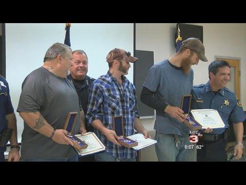 Four men given award for helping fallen trooper Steven Vincent