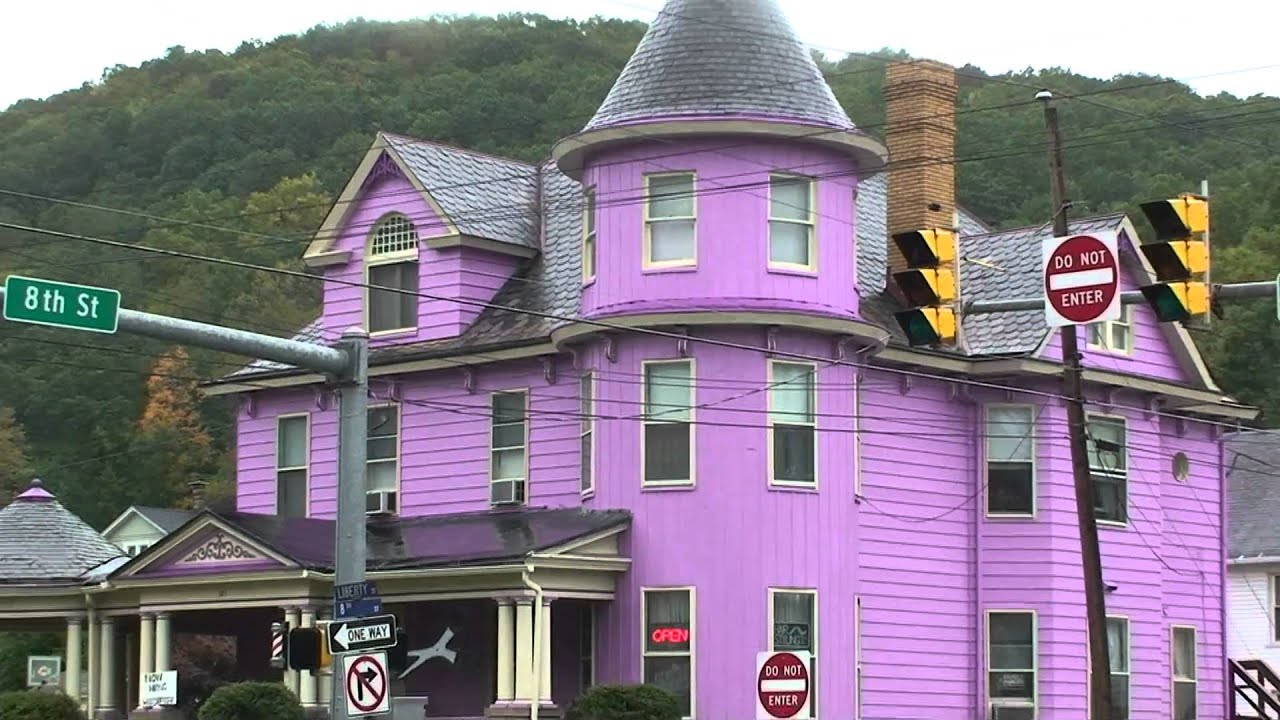 Image gallery purple house for Purple wallpaper for home
