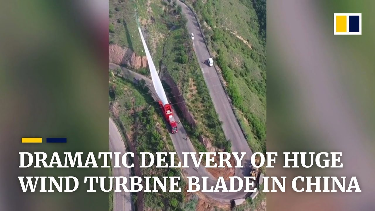 Dramatic delivery of huge wind turbine blade in China