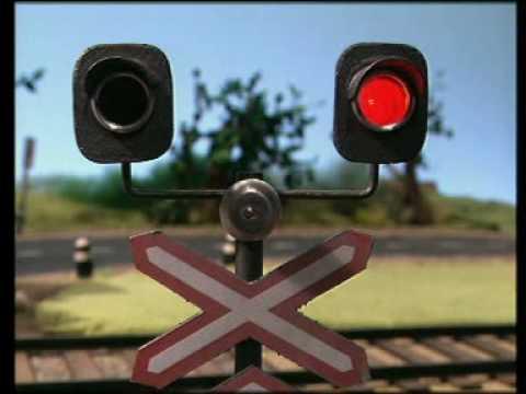 Не пересекай ж д  переезд при красном сигнале / Nešķerso dzelzceļa pārbrauktuvi pie sarkanā signāla