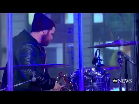 "Lauren Daigle - ""Cone Alive"" on Good Morning America"