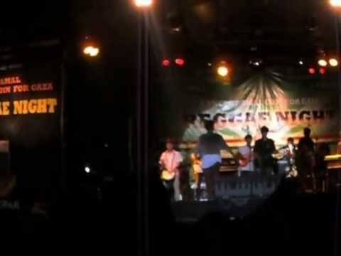 Rainbow Eyes - Berbagi Rasa @Reggae Night Konser Amal Coin For Gaza