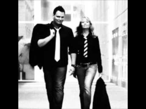 Jason Walker - Down (cover by Raphael Pompe & Jennifer Loosemore)