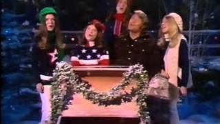 "Glen Campbell/Debby Boone/Boone Girls Sing ""Jingle Bells"""