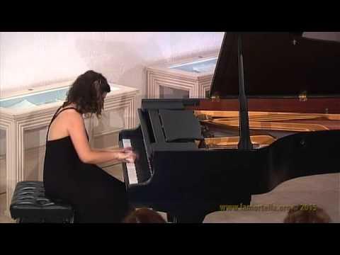 Viviana Lasaracina esegue S. Rachmaninov - Moment Musicaux Op.16 n.4: - Presto