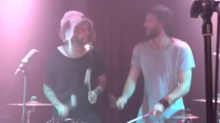 Niila play the drums live in Berlin Privatclub