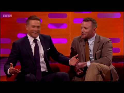 Guy Ritchie gives Charlie Hunnam the real sword from King Arthur on Graham Norton