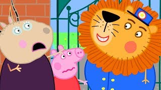 Peppa Pig Official Channel � A Lion has Escaped from the Zoo - Peppa Pig Visits the Zoo