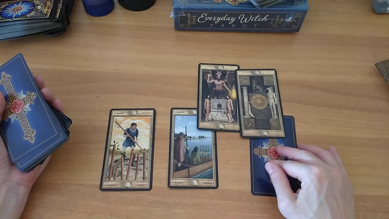 Расклады на гадание таро с картами мы вернулись в школу магии игра