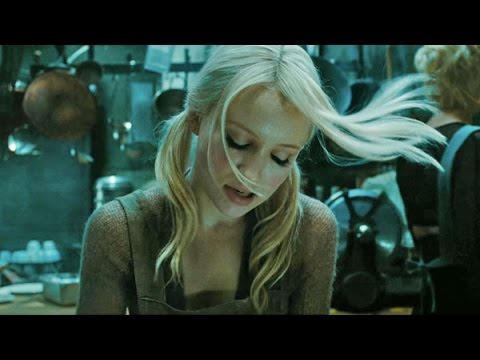 Клип Emily Browning - Sweet Dreams