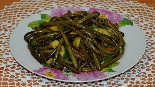 Салат из папоротника с огурцом по-корейски. Fern salad with cucumber.