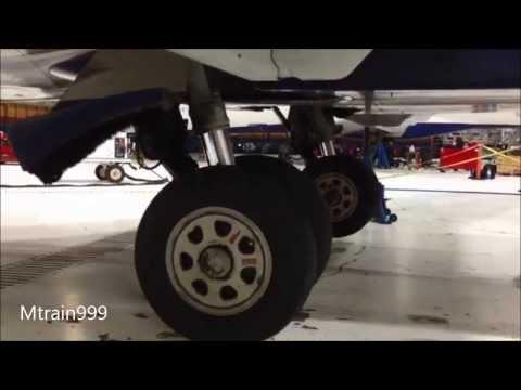 Crj200 gear swing