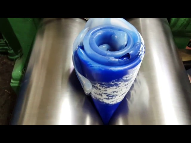 Mixing silicone for rubber moulding