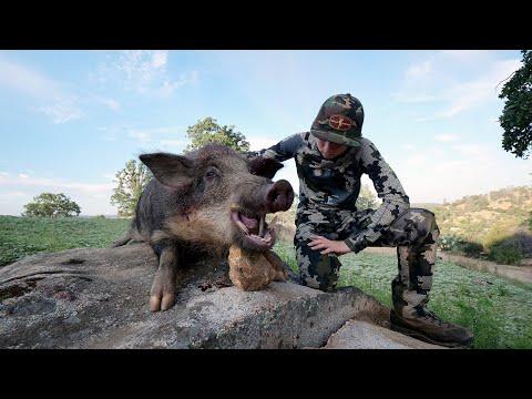 HUDDYS FIRST HOG – Hunting Wild Boars in California