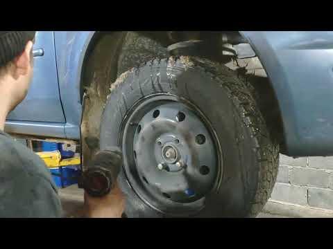 Логан Рено замена рулевого наконечника