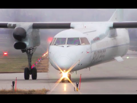 Air Canada Express Dash-8 Q400 Close-Up Takeoff