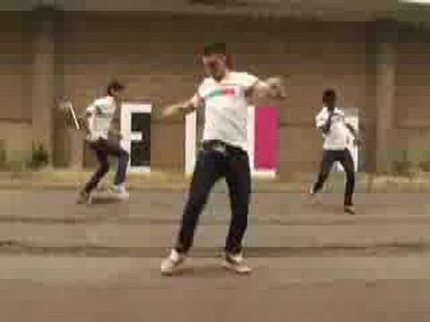 bailando tecktonik