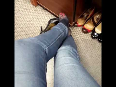 Cousins Feet Lick