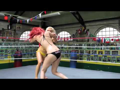 Oil Wrestling - Match 1 - Bikes & Babes BBQ 2009 from YouTube · Duration:  3 minutes 15 seconds