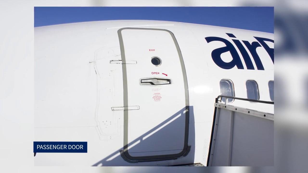 Boeing 737 Passenger door & Boeing 737 Passenger door - YouTube