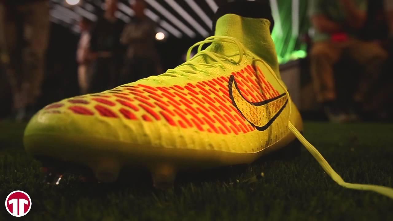 Intolerable africano Redondo  11TS   Nike Magista PR Event in Barcelona mit Andres Iniesta - YouTube