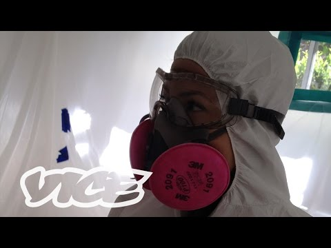 Vice: Why the Deadly Asbestos Industry is Still Alive and Well (2016). Short documentary shows the incredible corruption keeping the deadly mines running