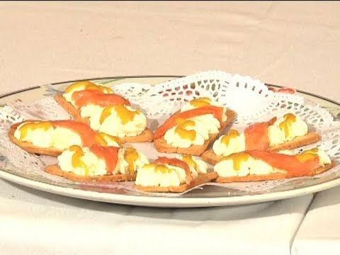 Montadito de queso con salm n youtube for Canape de salmon ahumado