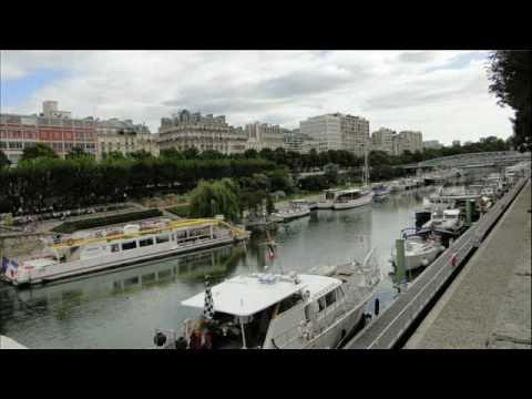 Paris: The Bassin de l'Arsenal / Port de Plaisance de Paris-Arsanal