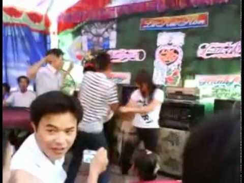 gai nhay ve lang-yeu don phuong
