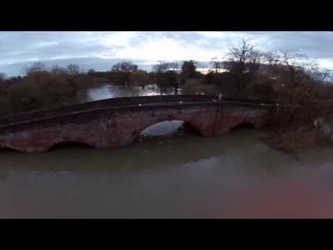 River Thames flooding at Sonning Feb 2014 Aerial Photography with Phantom 2