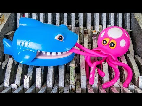 Shark Eats Octopus! Shark Snapper Toy and Squishy Octopus Bath Toys Destroyed! Water Toys Slime!
