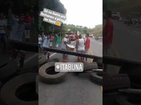 Protesto de caminhoneiros com forró em Itabuna