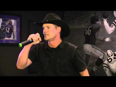 Playoff Karaoke - Casey singing It Goes Like This