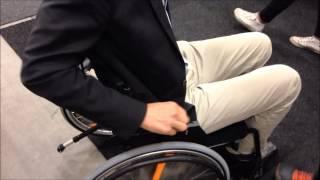 SQCの福祉ビデオシリーズ、第3回目 スウェーデンの補助器具の展示会から.