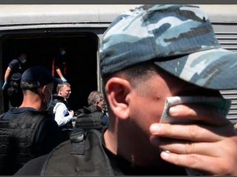 Raw: International Team Inspects MH17 Bodies