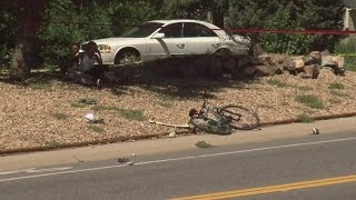 Teen bicyclist hit by car dies