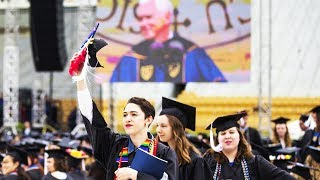 Notre Dame Students Walk Out On Mike Pence At Commencement Ceremony