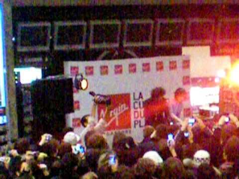 Justice at Virgin Champs Elysées - Start