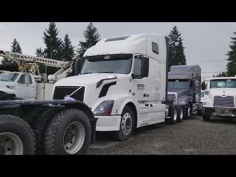 Аукцион грузовиков и техники в Америке