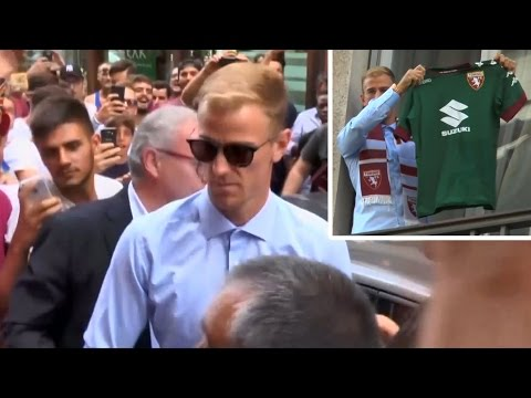 Joe Hart Gets Chaotic Welcome In Turin After Signing For Torino On A Season-Long Loan