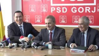 STIRIPESURSE.RO Victor Ponta pleacă din timpul conferinței în plin discurs al lui Liviu Dragnea
