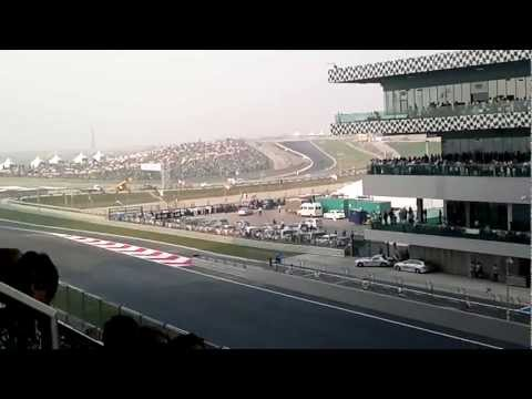 FORMULA 1 RACE ON 30-10-11 NEAR DELHI. VIDEO SHOT BY ME..RAJESH KAINTH(PART-1/2)