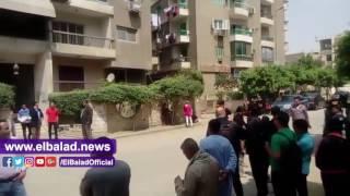 الأمن يغلق شارع الجزائر عقب انفجار جسم غريب بالمعادي.. فيديو وصور