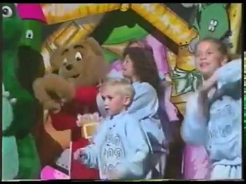 The Fun Song Factory Song Clip   The Hokey Kokey   1994
